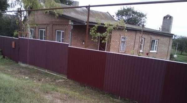 Сосед самовольно захватил часть земельного участка
